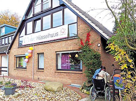 Seit zehn Jahren gibt es die Wohngemeinschaft Hüsselhuus in Himmelpforten – am Sonntag wurde gefeiert.